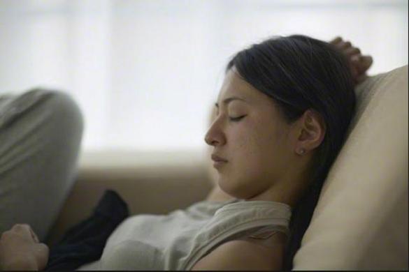 怖い夢を見る原因を特定して、快眠へと導く7つの方法