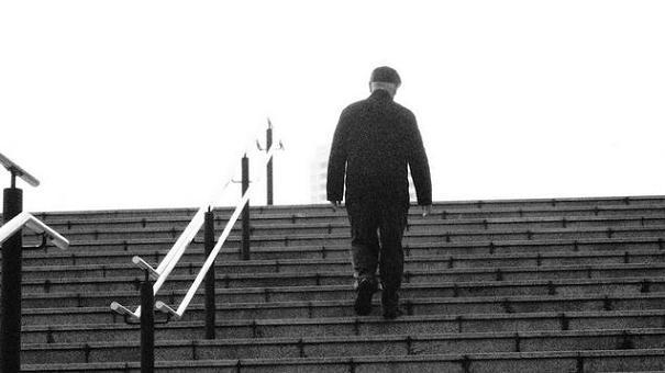 夢占いで階段の夢をひも解く!上り下りが左右する7つの解釈