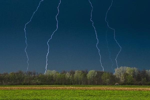 夢占いで雷の夢を読み解く☆運命が激変する7つの予兆