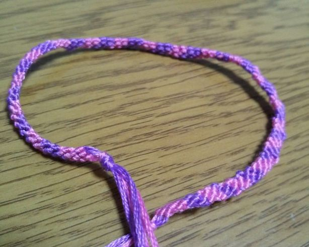 ミサンガの作り方☆2色で作る編み方をマスターしよう!