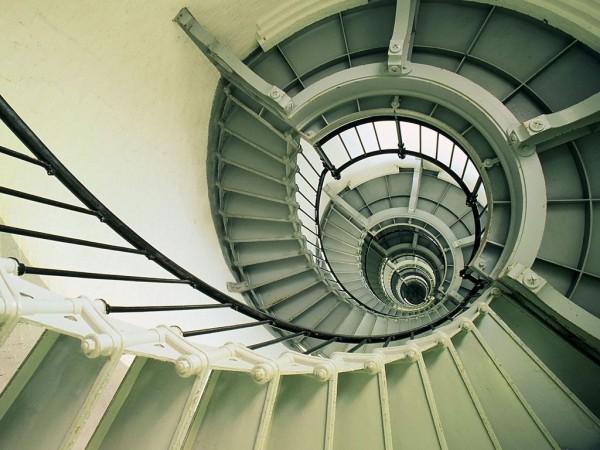 夢占い☆階段を上る夢は上昇志向?あなたが抱く7つの心理