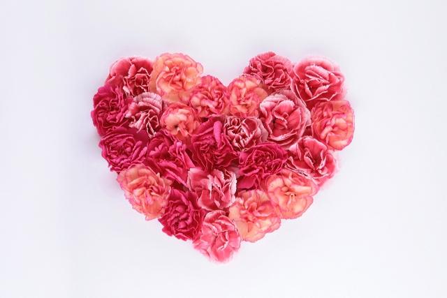 恋愛おまじないに最適な待ち受けで願いを叶える7つの方法