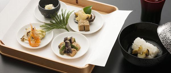 伊勢神宮近くに宿泊するなら、食事がおいしい4つの旅館へ