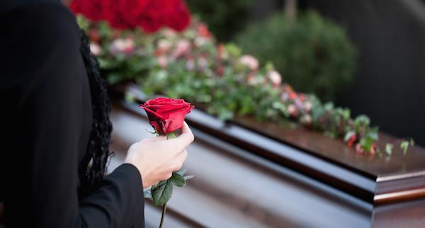 夢占いで、『死』が意味する4つの大きな変化