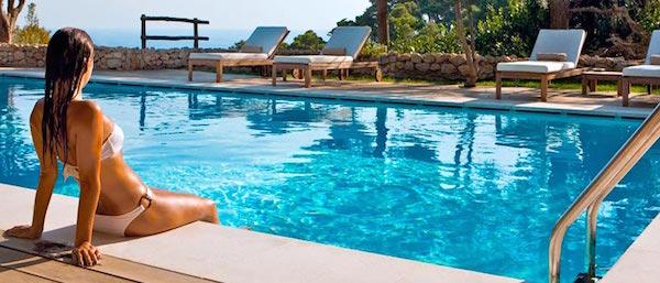 夢占い☆プールで泳ぐ夢を見たときの精神状態