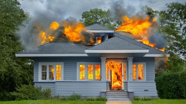 『火事の夢』は繁栄をもたらす証?!その夢解説