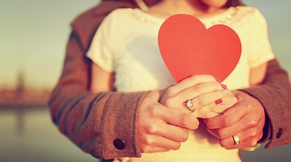 恋愛成就おまじないを使って、カレの心を射止めるコツ!