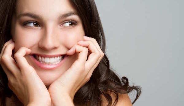 自然な笑顔の作り方☆魅力的な女性になるヒケツ