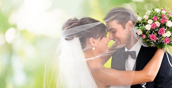 結婚する夢が意味するあなたの深層心理とは