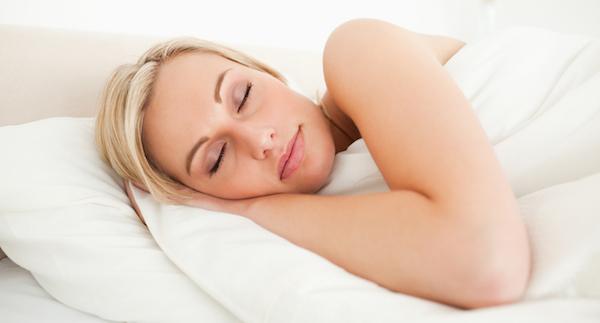 寝言の原因を突き止めて快適な睡眠を取り戻すための術