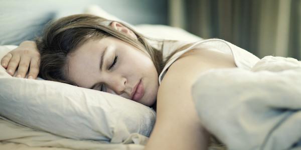 見たい夢を見る方法を試して眠りを変える7つのポイント
