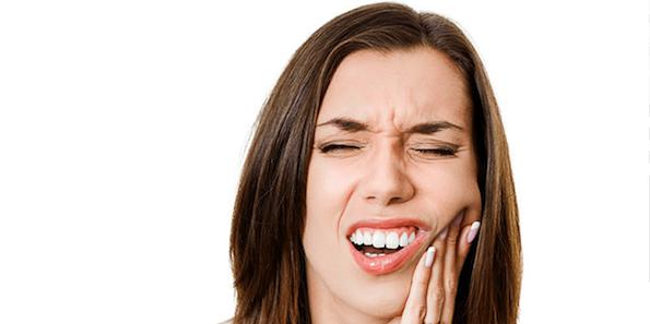 歯が折れる夢を見た時に行ってはいけない8つの行動